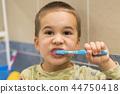 child, boy, toothbrush 44750418