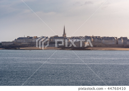 French landscape - Bretagne 44768410