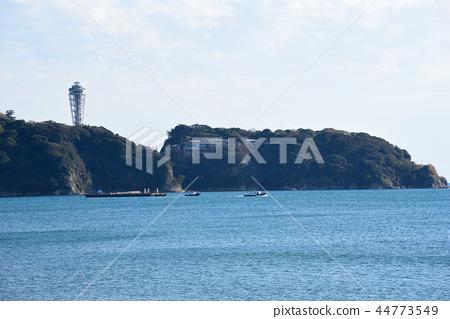 <Enoshima> Fujisawa Enoshima Fireworks Festival (Autumn) Movement of the launch boat Katase Coast, Fujisawa City, Kanagawa Prefecture 44773549