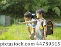 小学生在上学的路上 44789315
