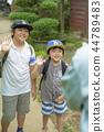 男孩在暑假 44789483