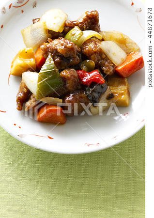 Sweet and sour pork 12 44871678