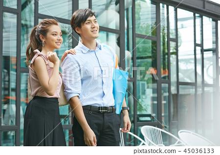커플 데이트 쇼핑 45036133