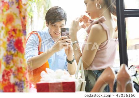 커플 데이트 쇼핑 45036160