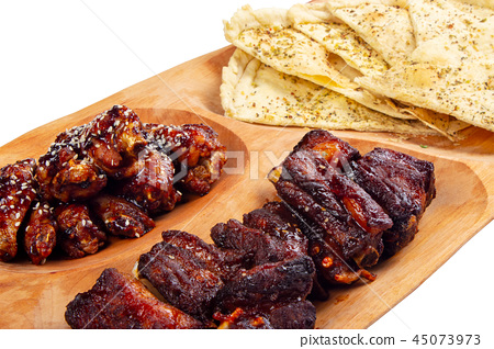 beer snack on the wooden plate 45073973