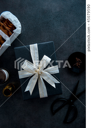 Gift wrapping for Christmas. 45079590