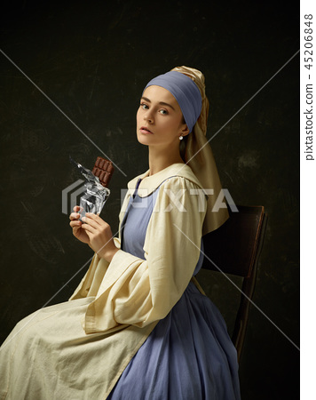 Medieval Woman in Historical Costume Wearing Corset Dress and Bonnet. 45206848