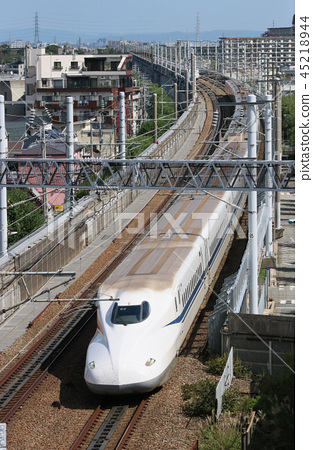 Nozomi running on the east side of Rokko Tunnel 45218944