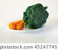 西蘭花和胡蘿蔔表 45247745
