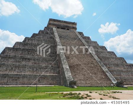 Chichen Itza Ruins in Mexico 45305495