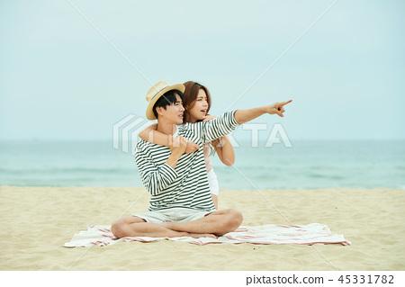 여름, 바다, 데이트, 커플, 연인, 여자, 남자, 파도 45331782