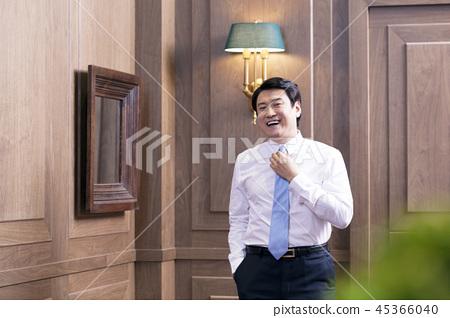 비즈니스맨,비즈니스,CEO,사장,대표,집무실,오피스,사무실,회사 45366040
