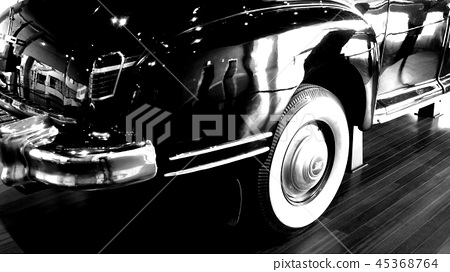 Old car 45368764