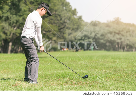 Men playing golf 45369015