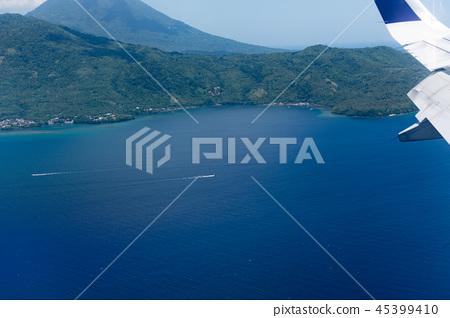從飛機舷窗拍攝的機翼 45399410