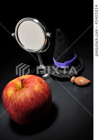 Snow White-Mirror Mirror- 45405014