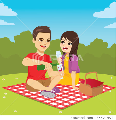 Couple Enjoying Picnic 45421951
