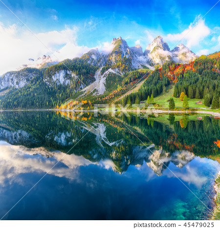idyllic colorful autumn scenery in Gosausee 45479025