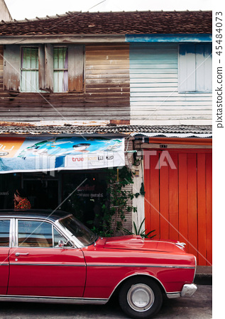 Vintage car and wooden house in Songkhla old town 45484073