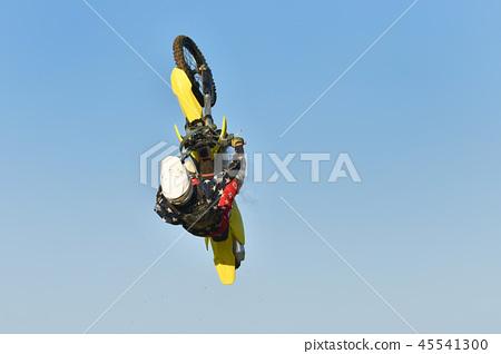 自由式摩托車越野賽 45541300