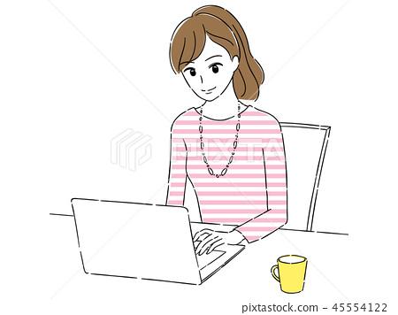 컴퓨터하는 여자 45554122
