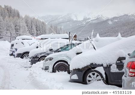 Winter snowy parking 45583119