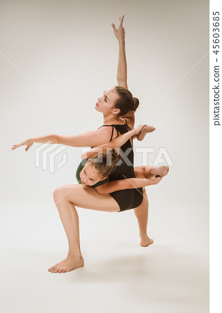 The two modern ballet dancers 45603685