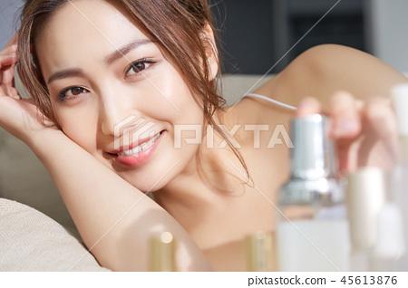 女性美的形象 45613876