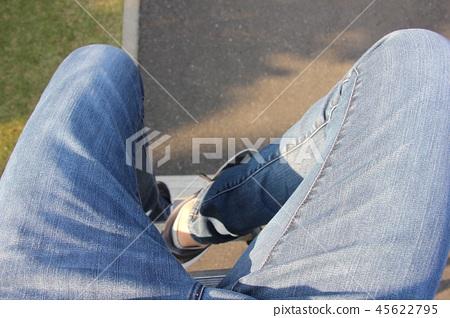 腳第一人稱視角 45622795