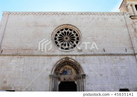 Santa Maria della Tomba 산타 마리아 델라 톤바 교회 스루모나 45635141