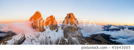 Beautiful autumn landscape in the Dolomites mountains. 45643005