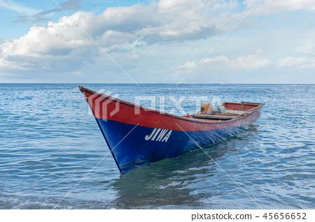 大海的小船 45656652