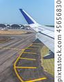 從飛機舷窗拍攝的機翼 45656830