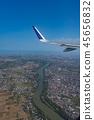 從飛機舷窗拍攝的機翼 45656832