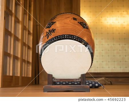 Japanese drum 45692223
