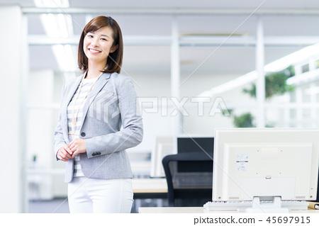 女商人 45697915