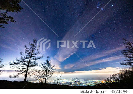 《Yamanashi Prefecture》 Night view of Mt. Amari, starry sky and Kofu basin 45739946