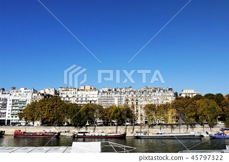 Paris seine river cityscape 45797322