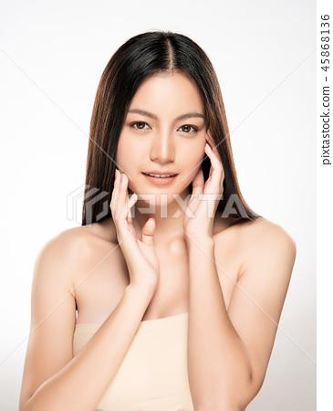 Beautiful Young asian Woman with Clean Fresh Skin 45868136
