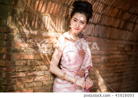Beautiful Thai girl in Thai traditional costume 45926005