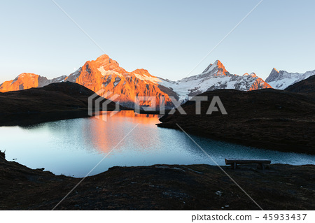 Picturesque view on Bachalpsee lake in Swiss Alps mountains 45933437