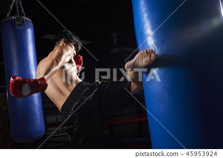 Kick boxing men 45953924
