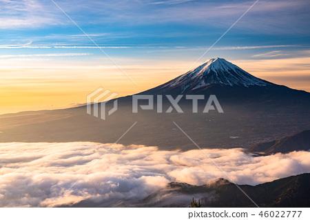 """""""極好的景色""""富士山和雲海,早晨的景色 46022777"""