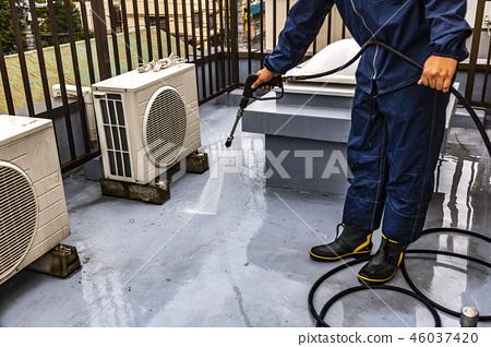 高壓清洗下的屋頂防水工作 46037420