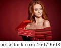 woman, xmas, gift 46079608