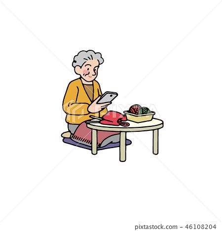 스마트 폰을 보면서 뜨개질을하는 할머니 46108204