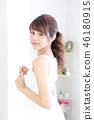 成熟的女人 一個年輕成年女性 女生 46180915