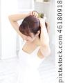 成熟的女人 一個年輕成年女性 女生 46180918