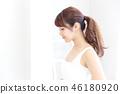 成熟的女人 一個年輕成年女性 女生 46180920
