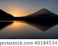 早上从Shoji湖的富士山 46184534